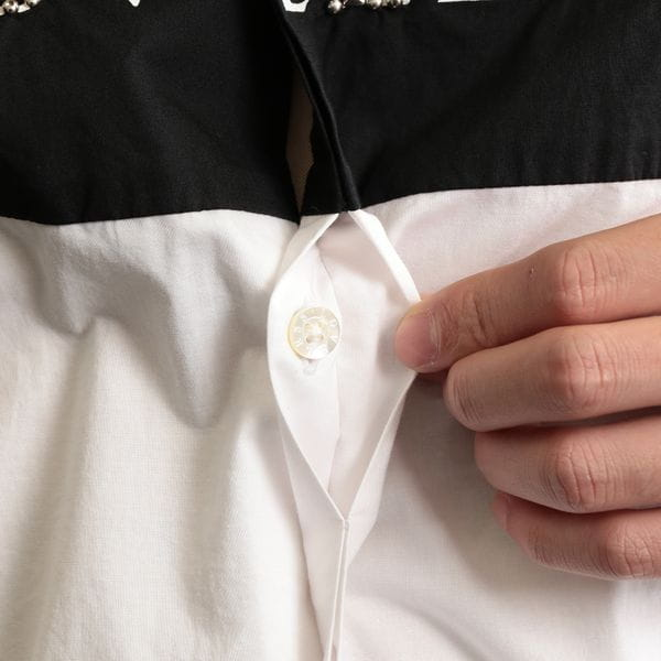 MEN スタッズロゴシャツ