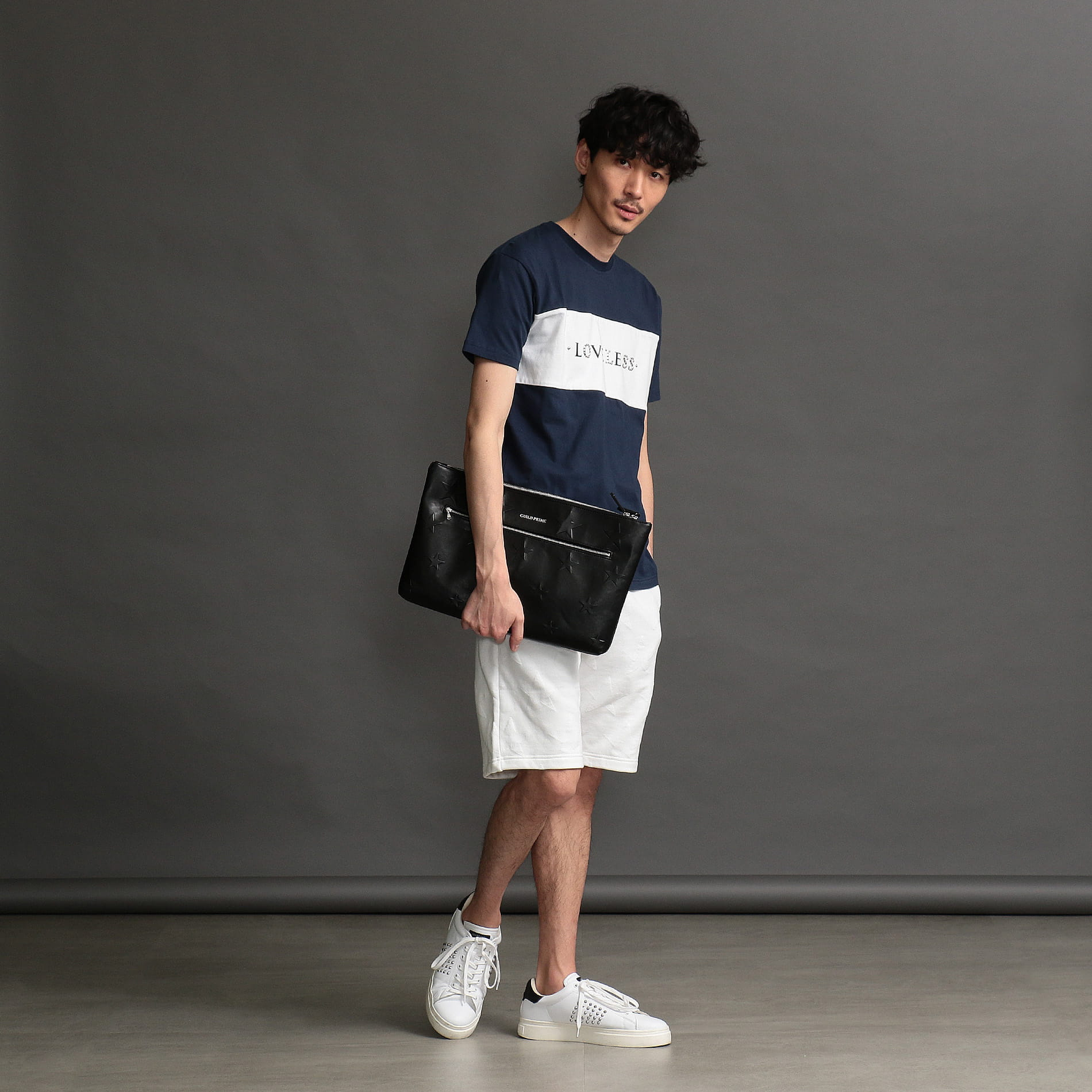 MEN スタッズロゴTシャツ