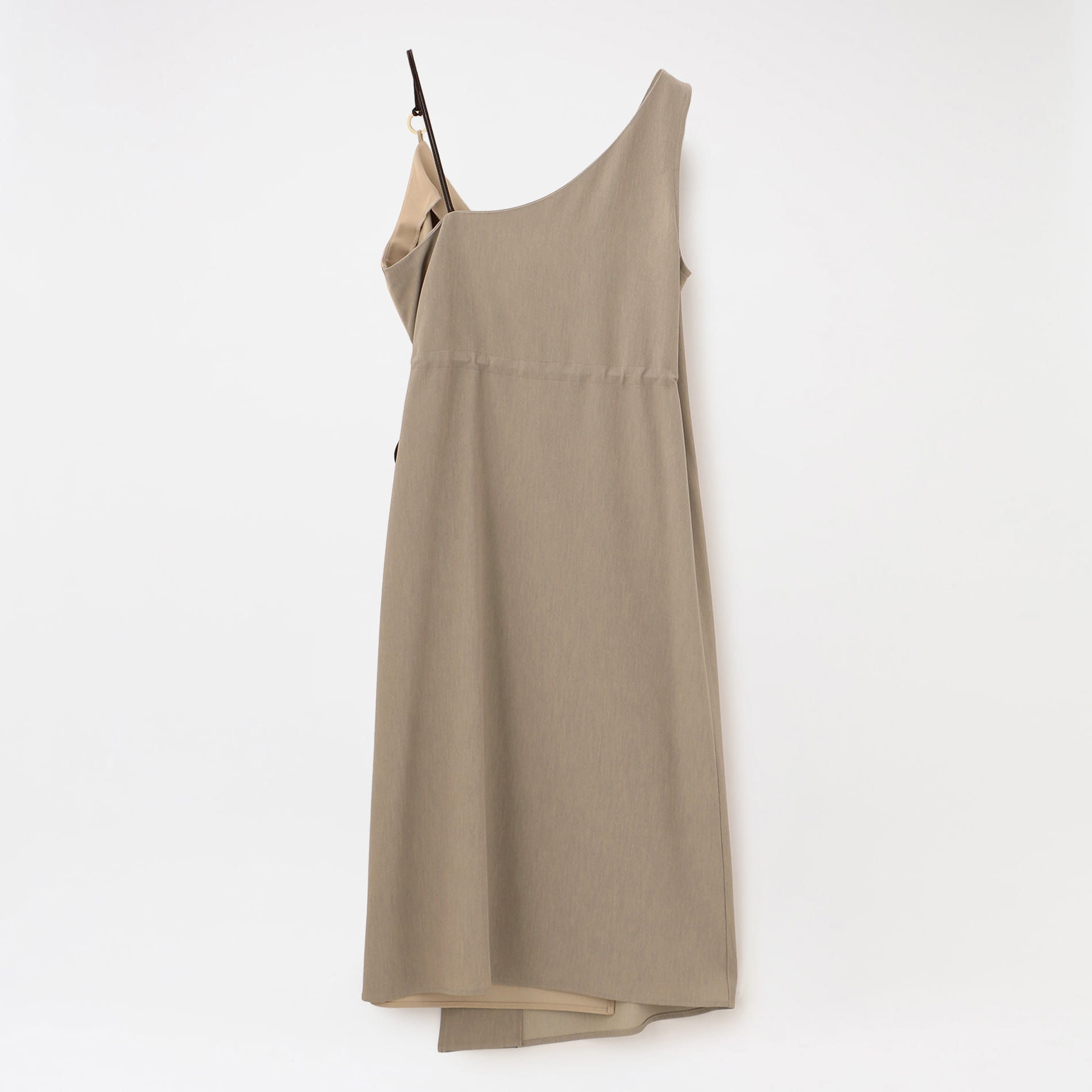 アシンメトリースタイリングドレス