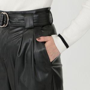ブラック レザー スクィーズ パンツ
