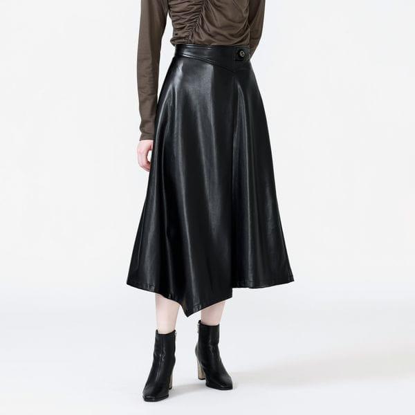 アシンメトリーレザースカート