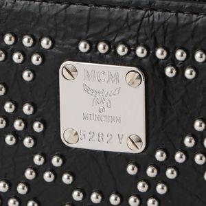 【MCM】MEN 財布 LEOPARD STUDS ZIPPED WALLET LARGE MXLASLF02