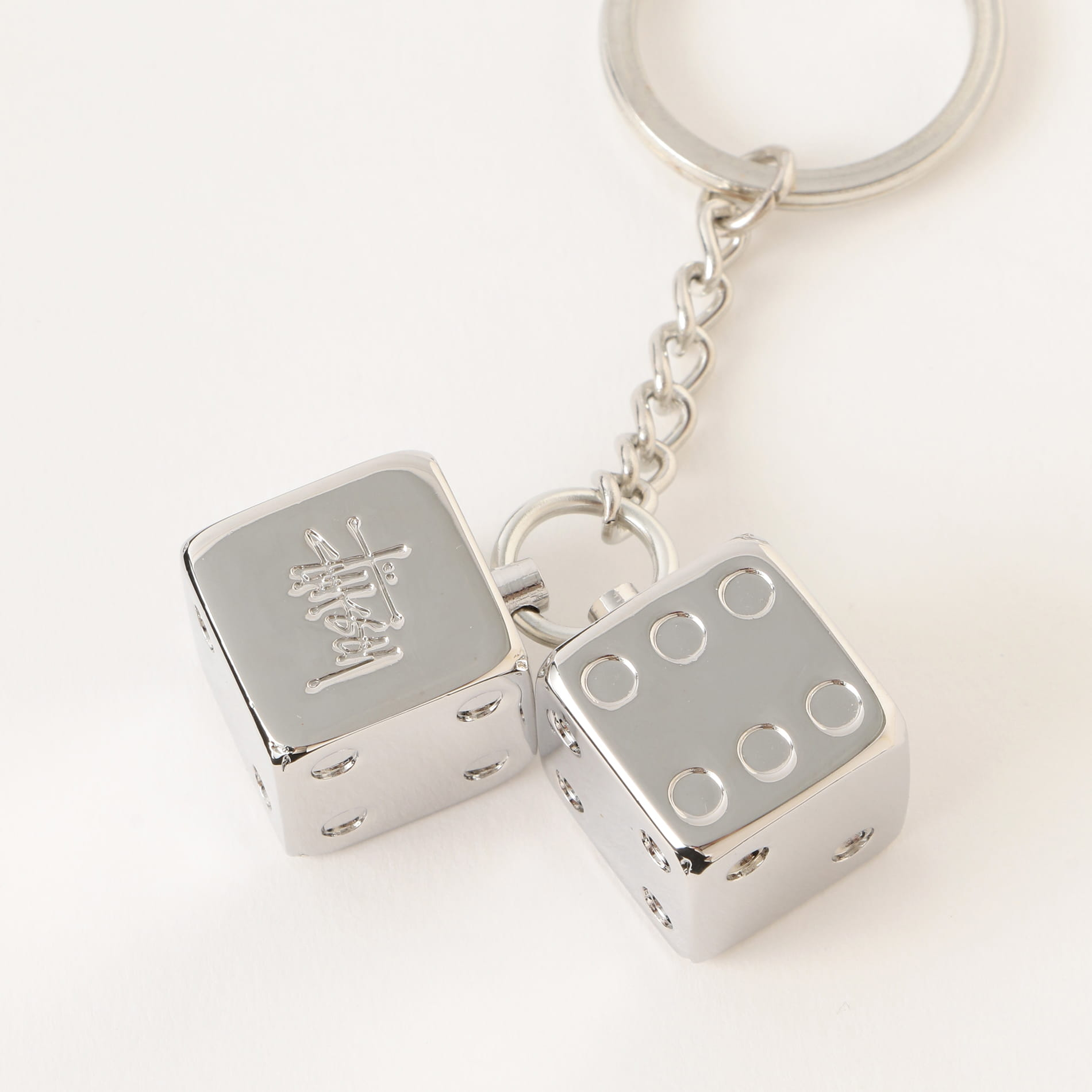 【Stussy】MEN Metal Dice Keychain 138708