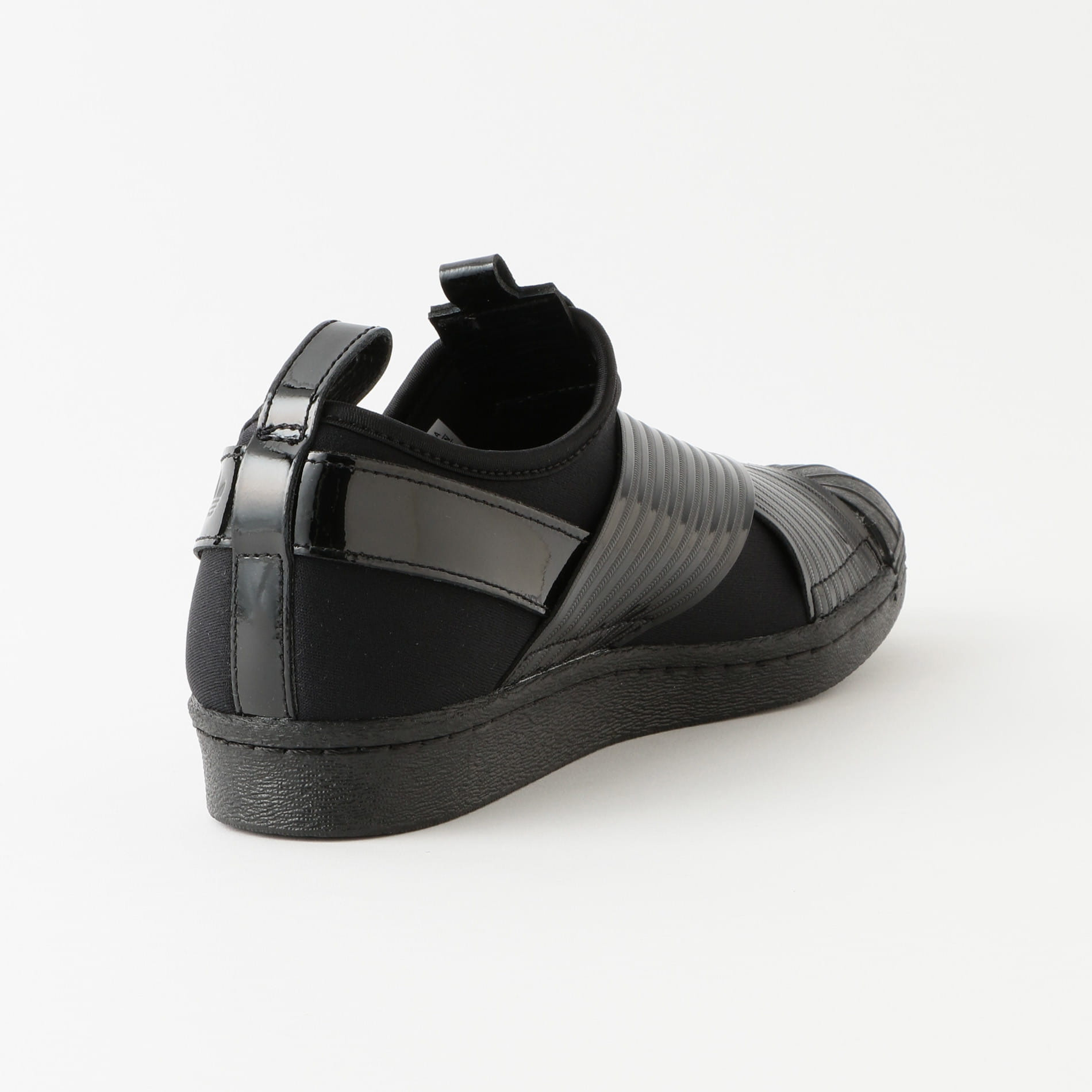 【adidas】WOMEN SSスリッポン アウトラウド BD8055