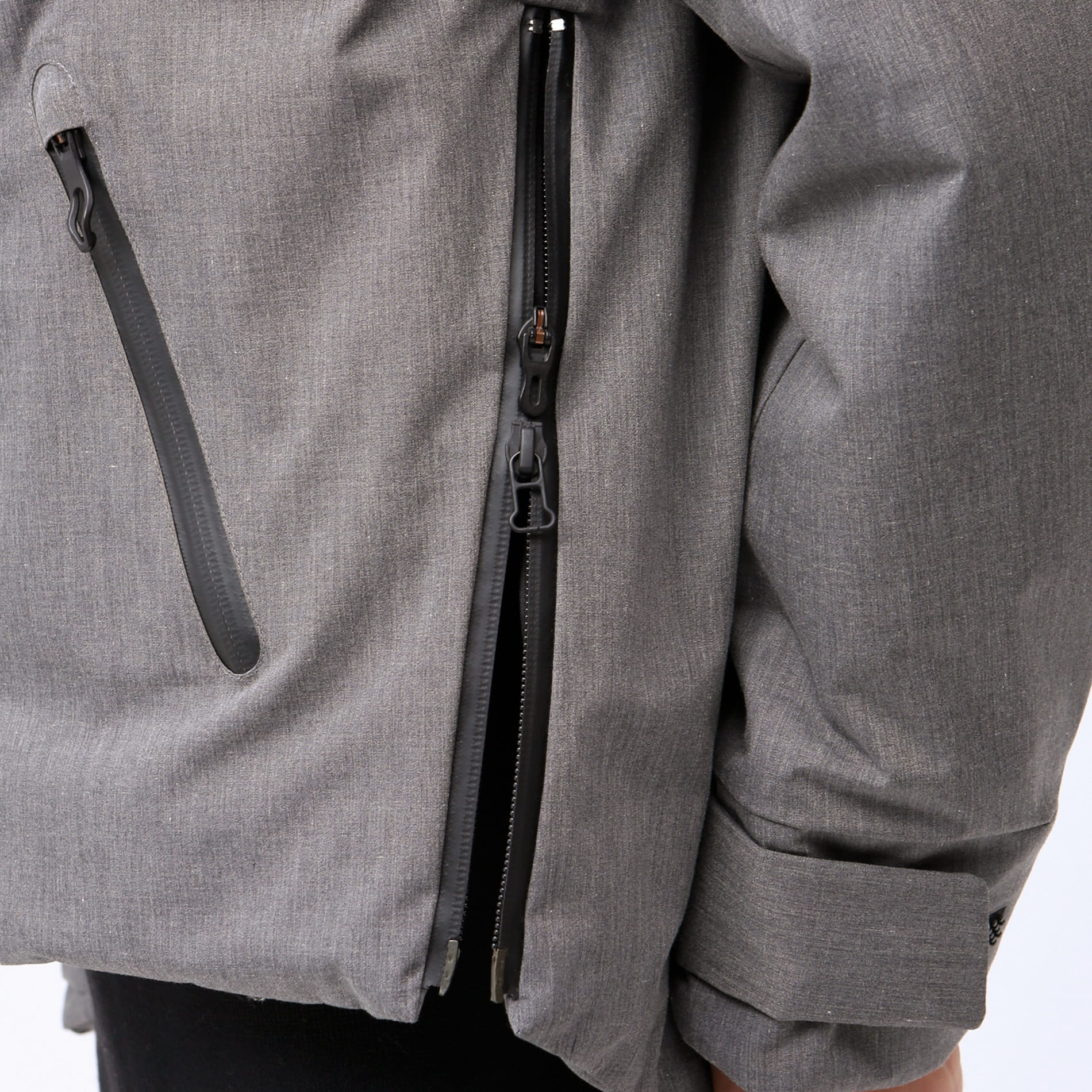 【SNOW】F01フーデッドダウンジャケット